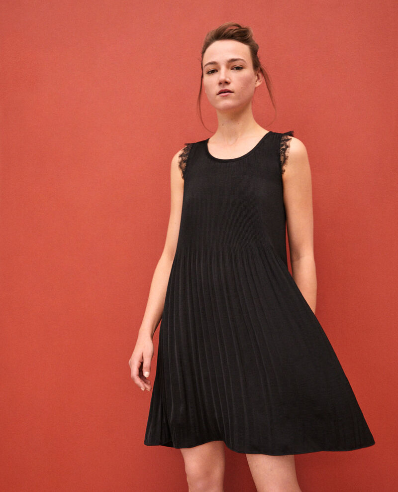 Pleated dress with lace NOIR