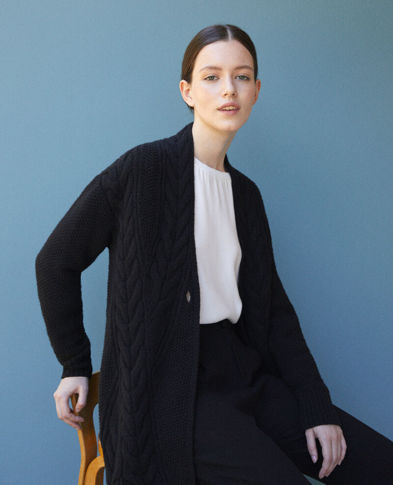 Cardigan with braiding details Noir Goatigan