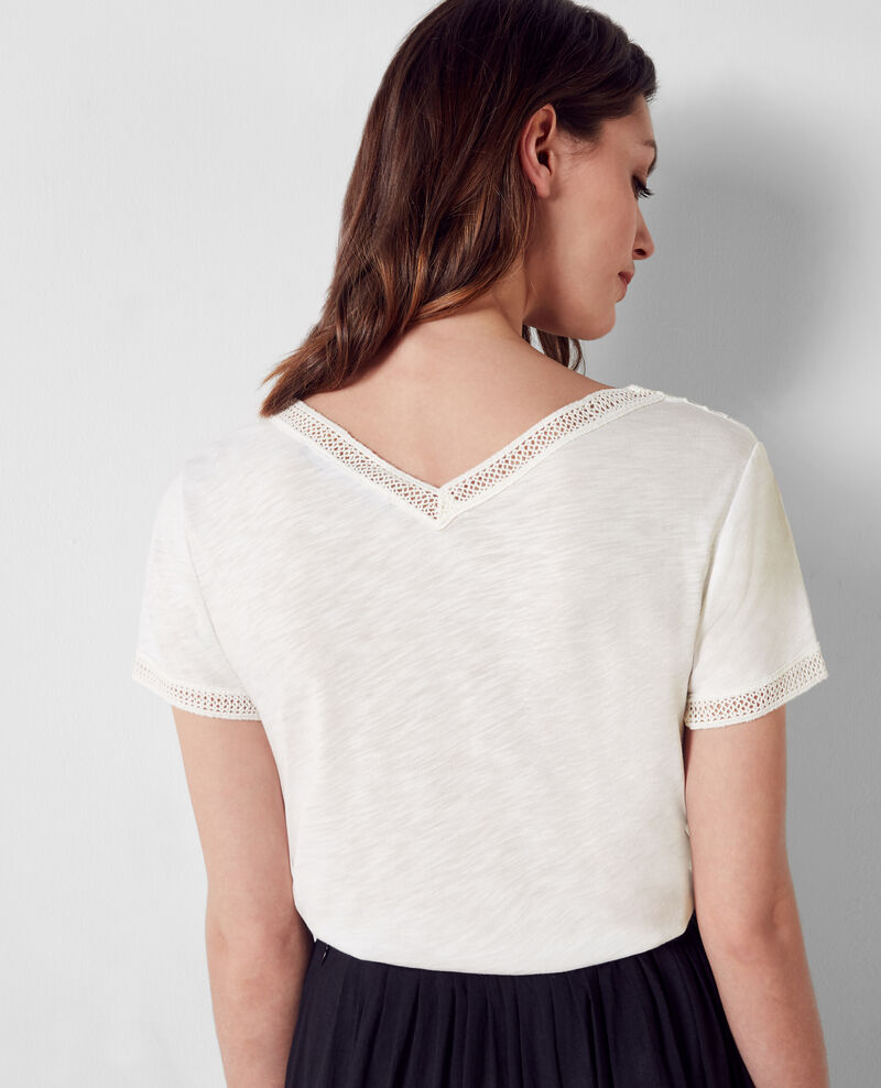 T-shirt with embroidery details Off white Colline