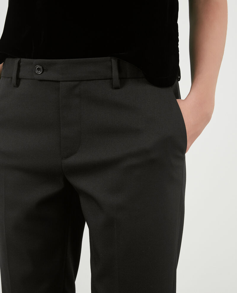 Loose trousers with darts Noir Dokyo