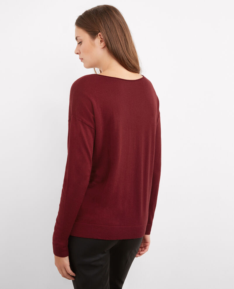 Shiny slogan jumper Cardinal Buck