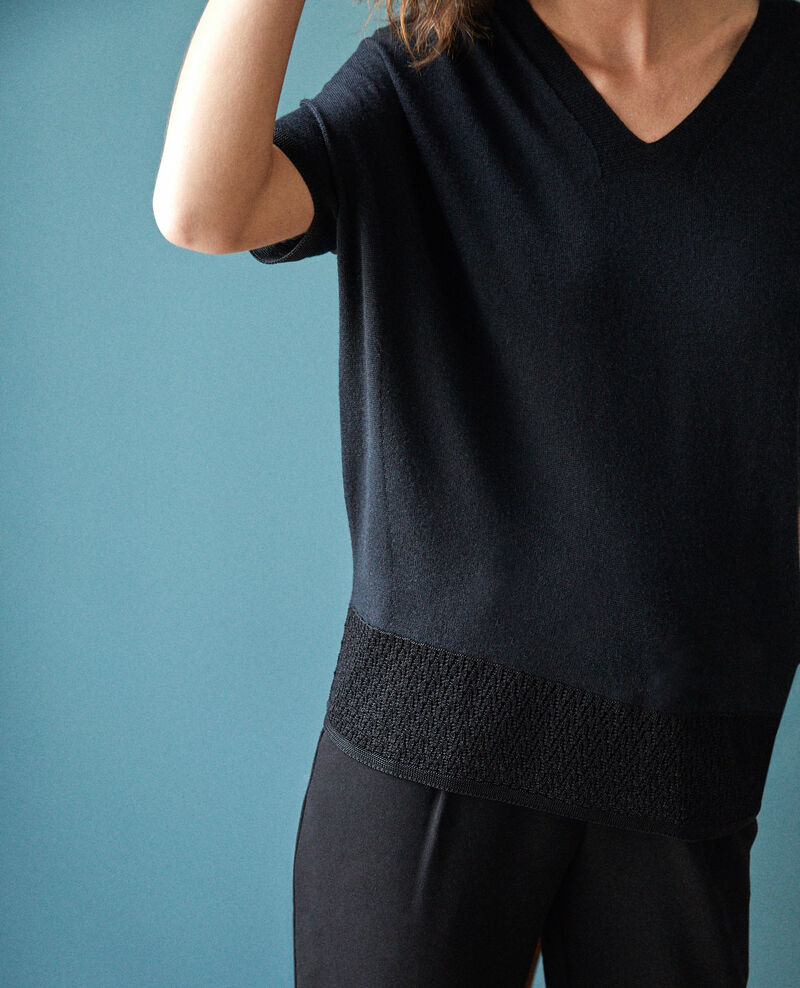 Zero-stitching short-sleeved knit NOIR