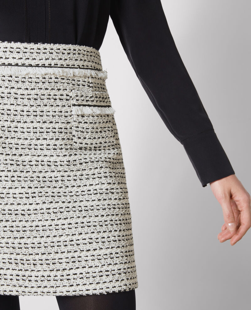 Short tweed skirt Off white/black Carlage