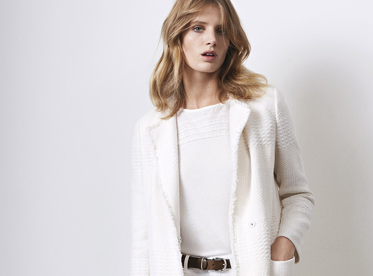 Women look - tweed coat and straight cropped jeans