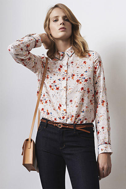Women look - printed silk dress, slim jeans and leather purse