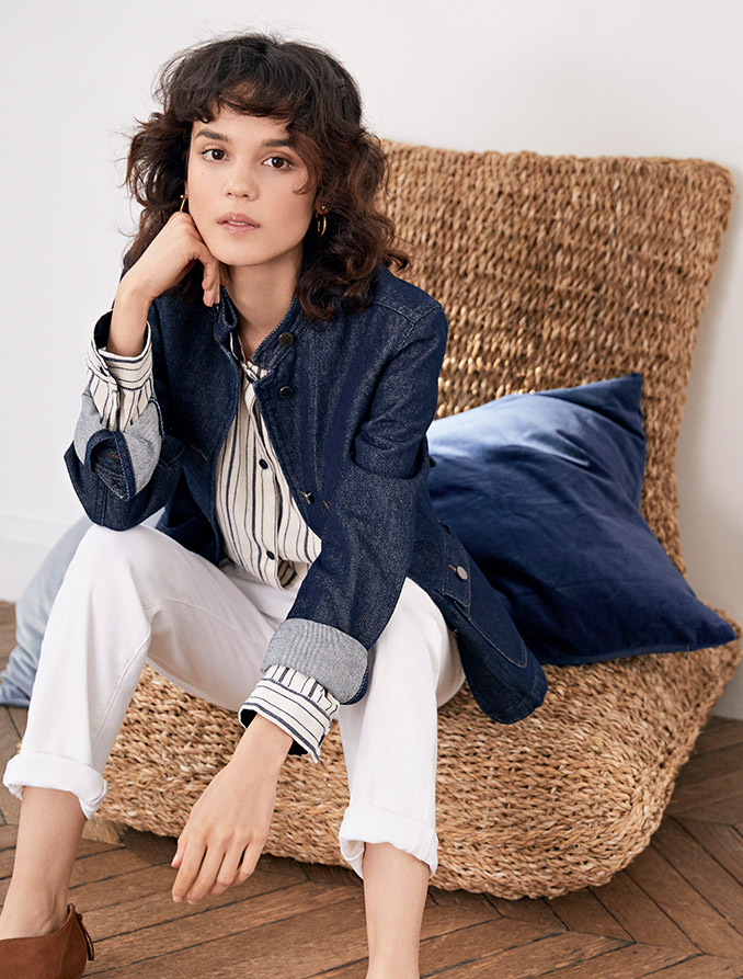 Look femme - Jupe plissée, pull en laine, sac shopping et bottines en cuir