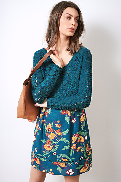 Look - Linen and silk print skirt, knit jumper and leather bag