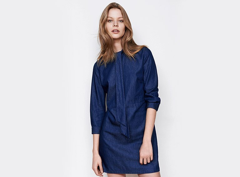 Woman look Denim dress with tie collar
