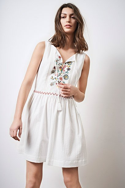 Look - Dress with embroidery details