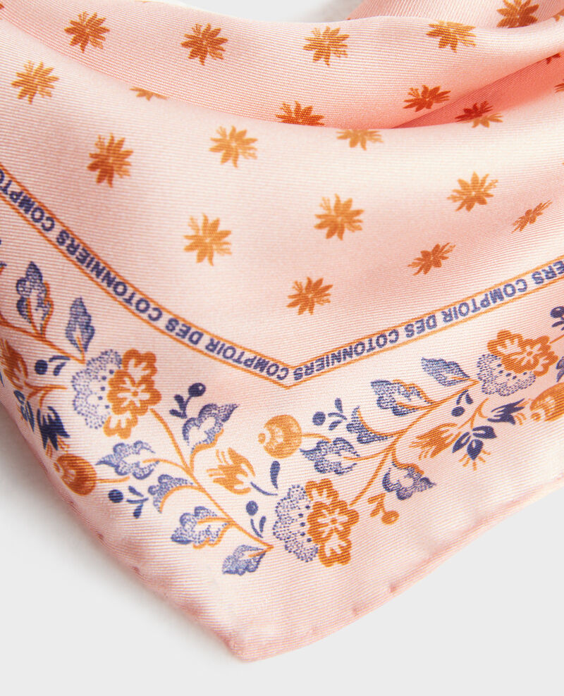 Diamond-shape silk foulard Seashell pink Nandana