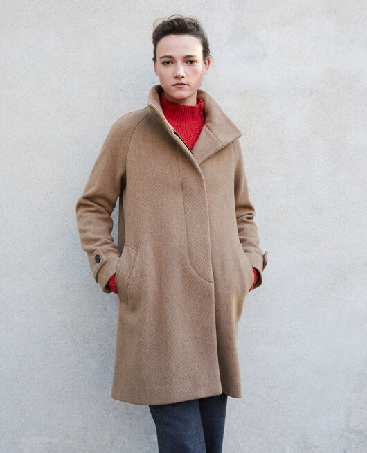 Coat with stand-up collar Beige