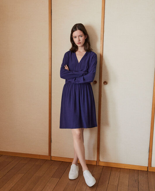 V-neck dress Blue