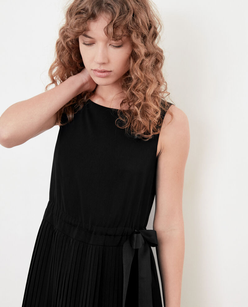 Dress with pleated skirt Noir Dosoleil