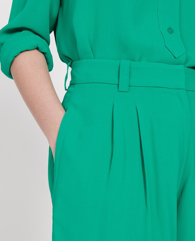 Wide and loose pleated trousers in viscose Golf green Logance