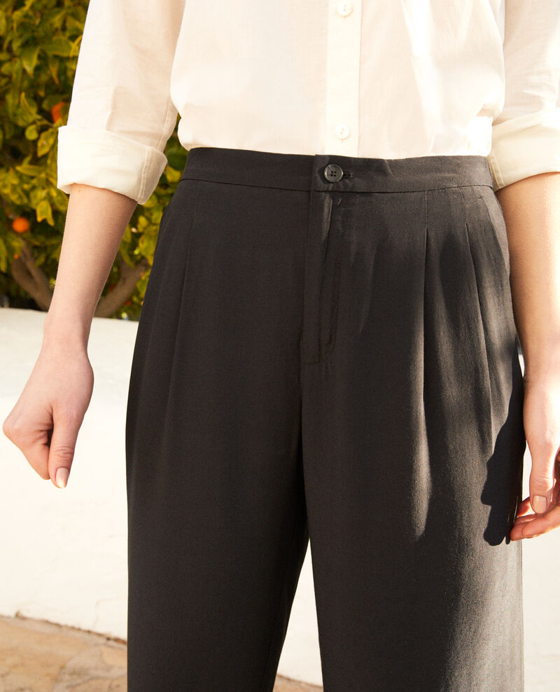 Loose and lightweight carrot trousers Noir Ifondant