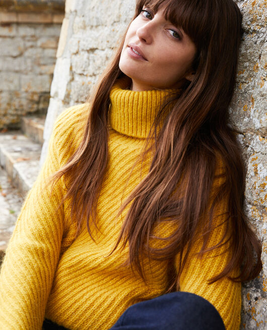Roll neck jumper SPICY MUSTARD