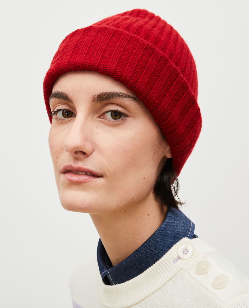 """Embroidered """"CDC"""" wool beanie Royale red Moeze"""