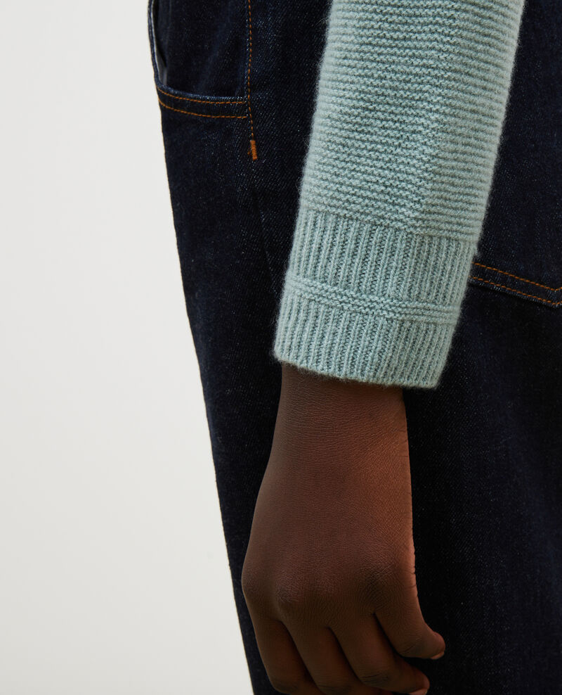Loose 3D cashmere turtleneck jumper. Chinois green Manduel