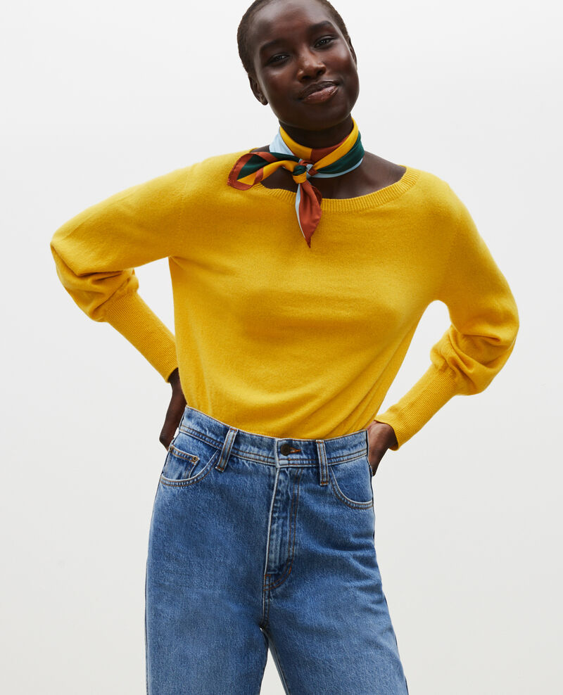 Fine cashmere boatneck jumper Lemon curry Manolita