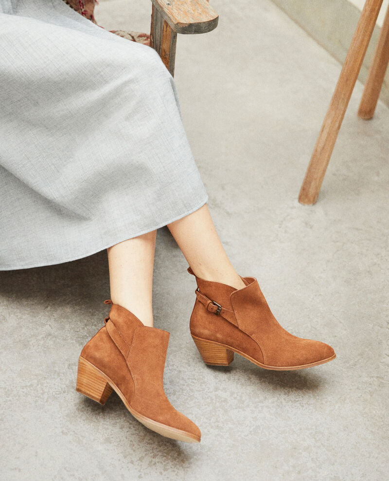 Suede Chelsea boots Camel Issentiel