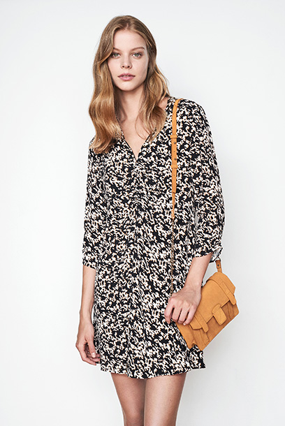 Woman look Printed dress and satchel