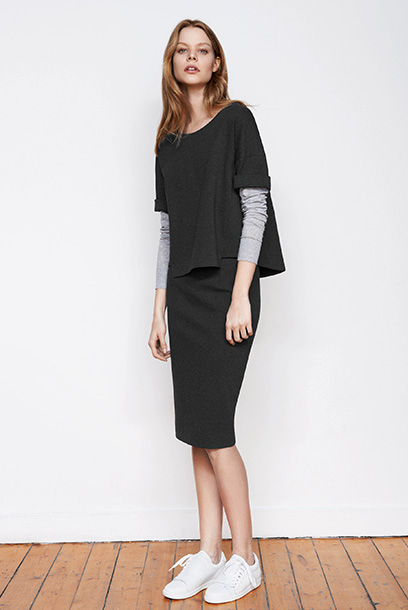 Woman look Long sleeves t-shirt and midi pencil skirt