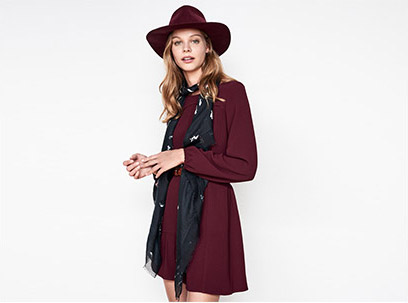 Women look - mini dress and wool hat